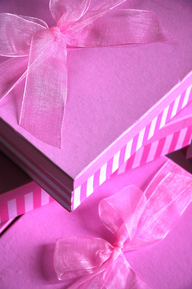 pink-boxes-3-1515950-639x961